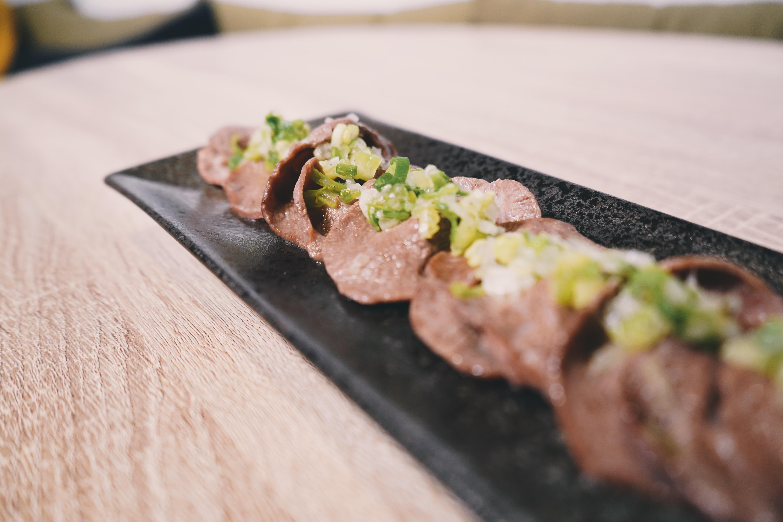 頂級老饕鮮脆燒烤牛舌片 欣明生鮮烤肉食材組