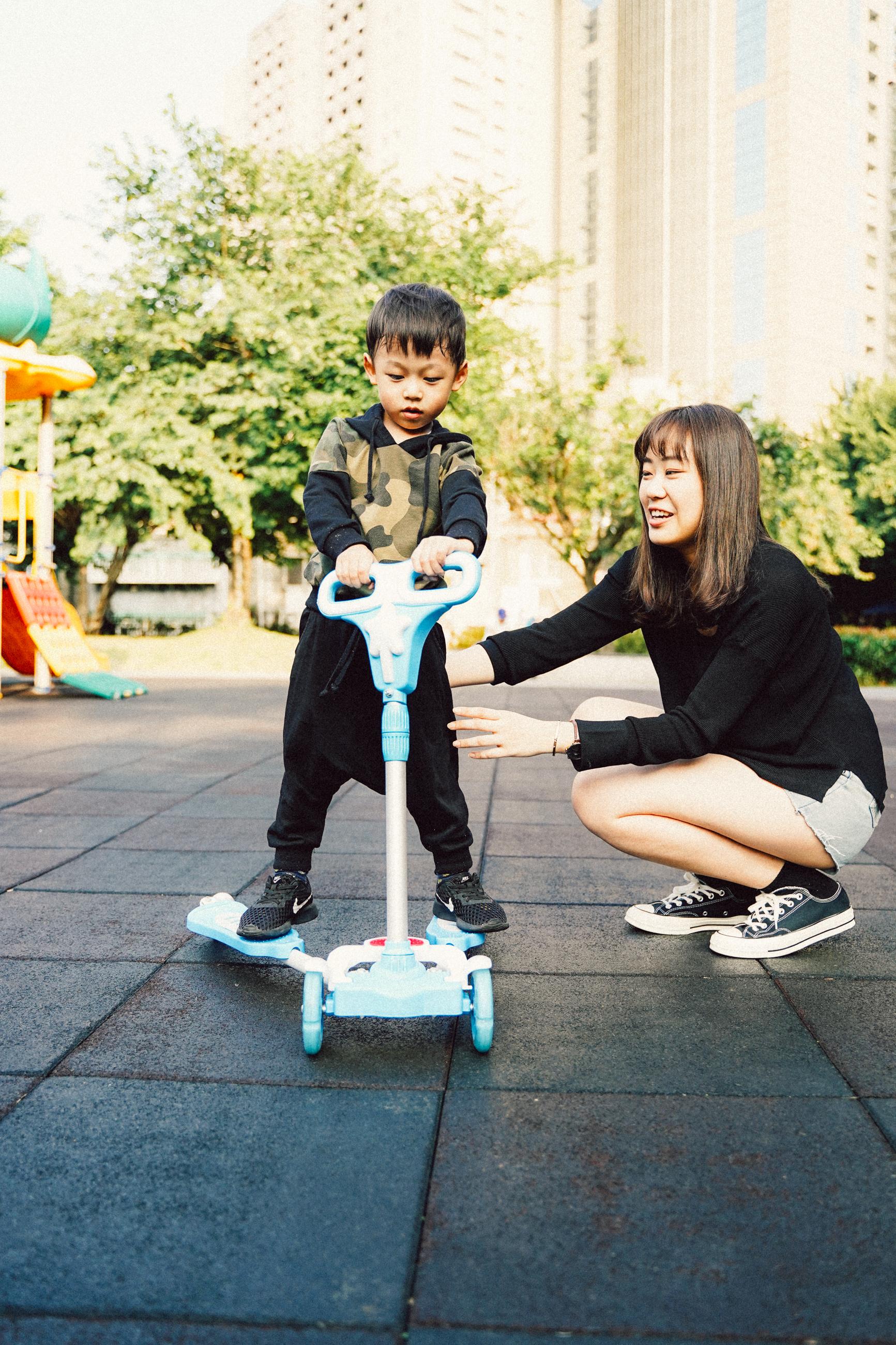 兒童搖擺車 玩法