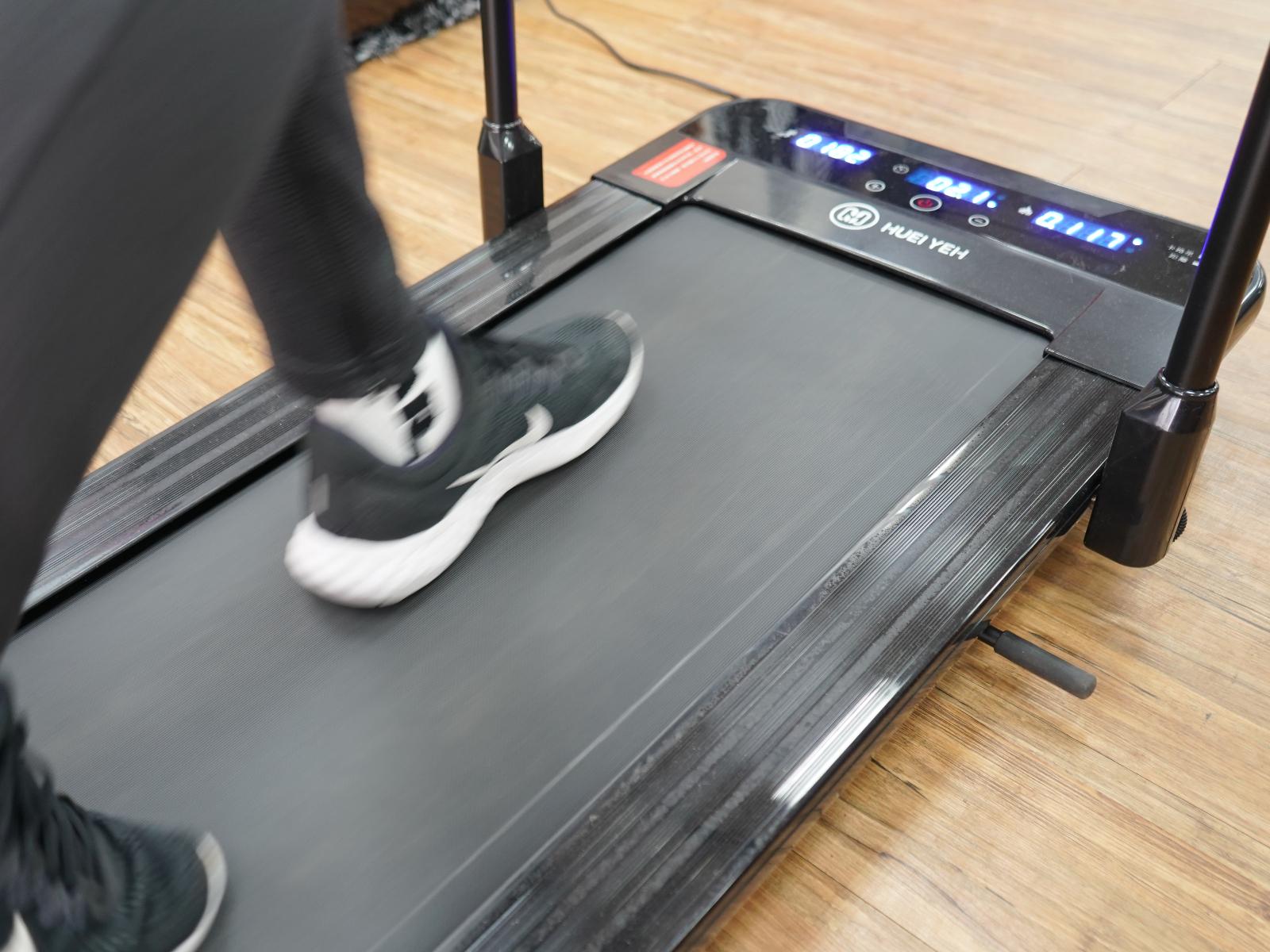 輝葉平板跑步機