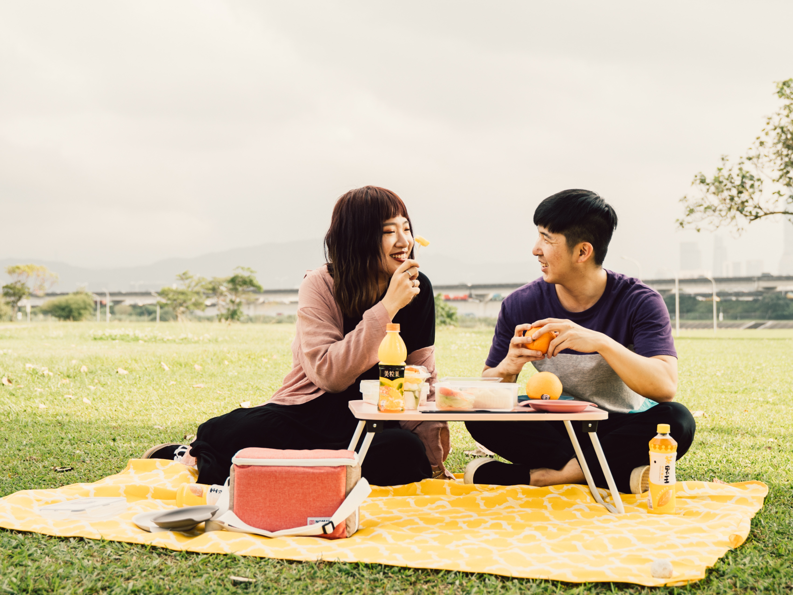【台北野餐地點總整理】人氣推薦野餐墊、野餐桌、餐具怎麼挑,一次報你知!
