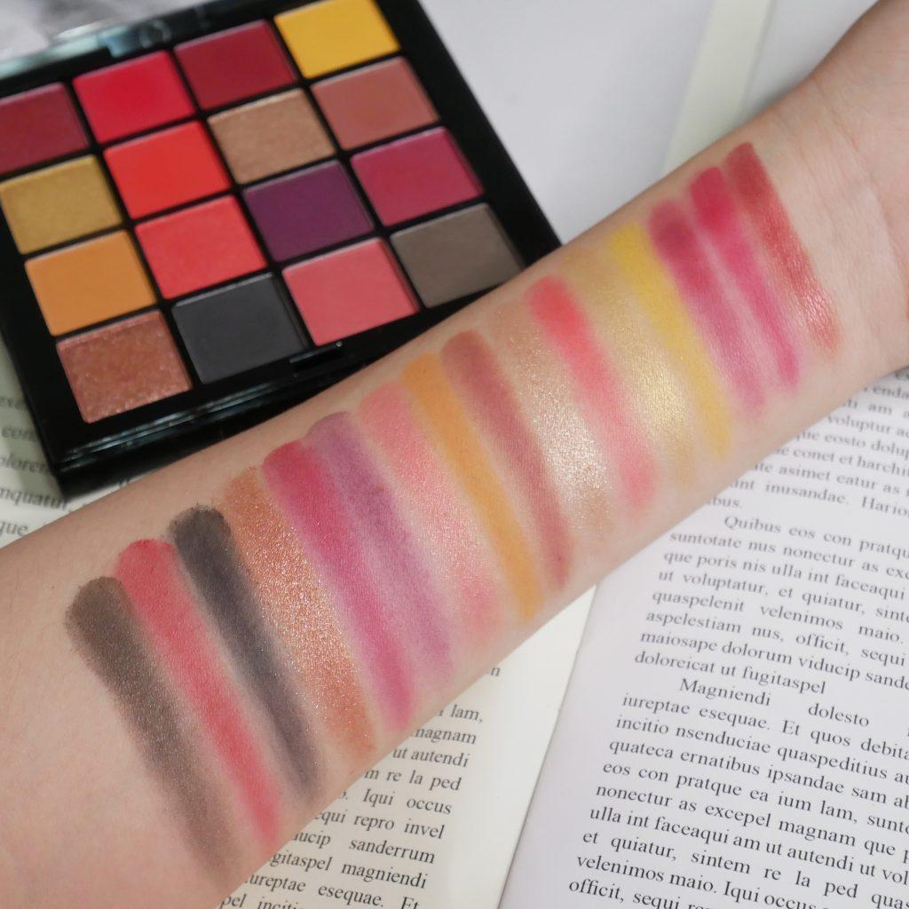 NYX Pro Makeup 百變玩味16色眼影盤