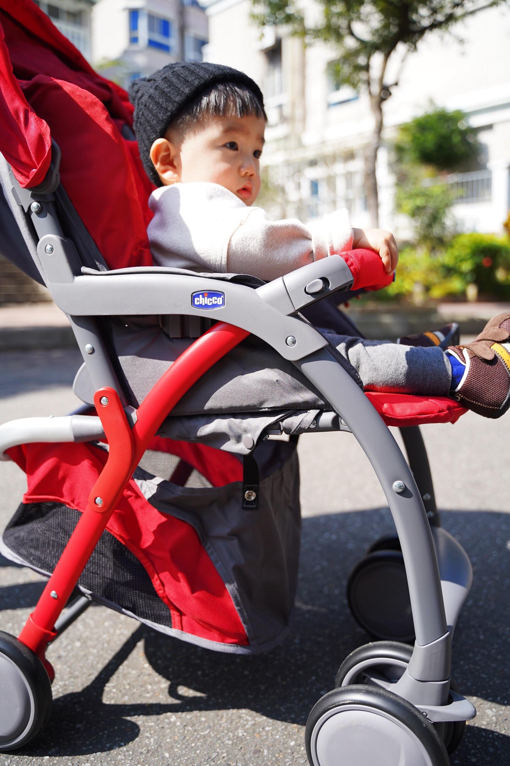 嬰兒推車輕便