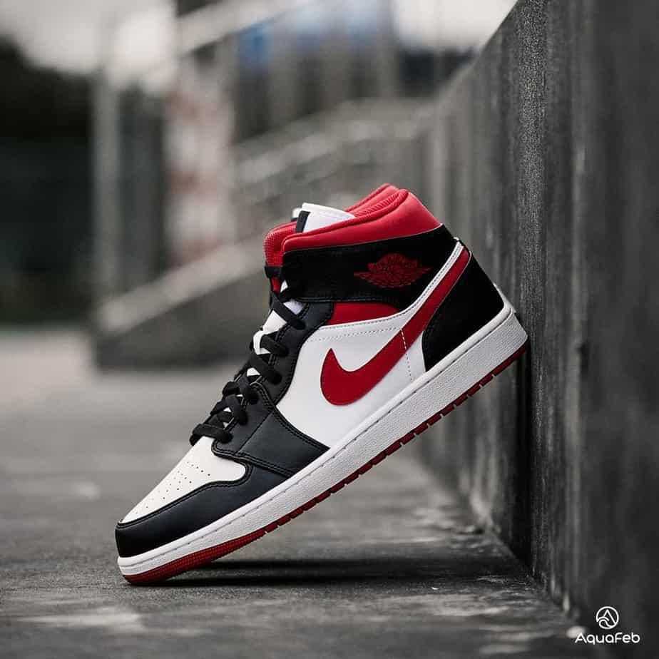 Nike Air Jordan 1 Mid Metallic Red