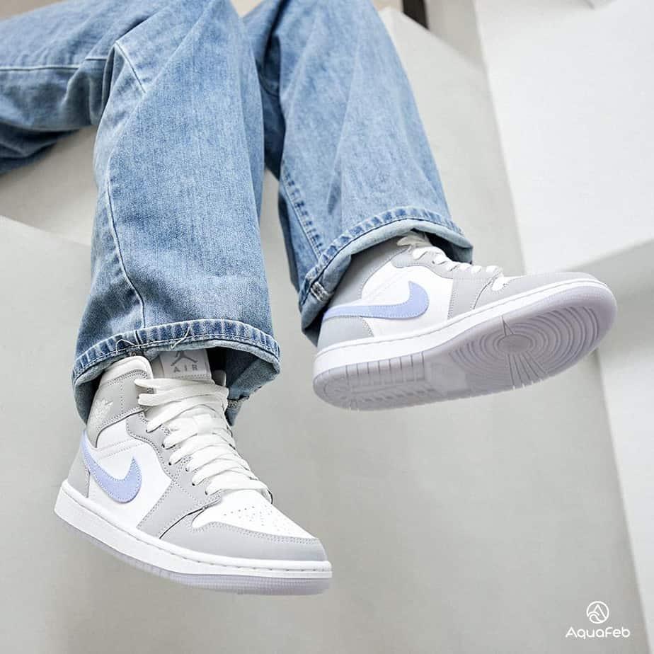 Nike W Air Jordan 1 Mid Wolf Grey